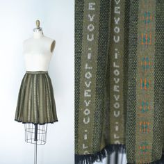 Ribbon trim along pleats 1960s Wool Skirt / 60s Novelty Print Skirt by FemaleHysteria