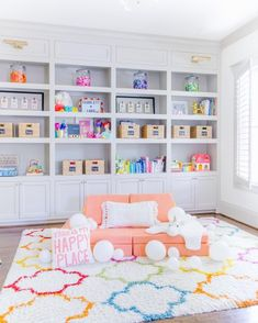 65 bedroom organization and smart play ideas 17 Decorinspiration Toy Rooms Bedroom Decorinspiration Ideas Organizatio Organization play Smart Playroom Design, Playroom Decor, Colorful Playroom, Playroom Ideas, Kids Playroom Colors, Kids Playroom Rugs, Blue Playroom, Modern Playroom, Kids Rugs