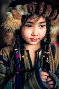 Kids Around The World, We Are The World, People Of The World, Precious Children, Beautiful Children, Beautiful People, Inuit People, Some Beautiful Pictures, Tribal People