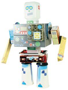 Leer over hergebruik en recyclen met de bouwsets van Makedo.  Maak van kartonnen dozen en andere materialen een echte robot!  Dankzij Makedo wordt opnieuw waarde gegeven aan dingen die anders alleen maar beschouwd worden als afval.