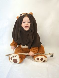 DIY Star Wars costume for kids: Baby Ewok semi-homemade costume from Oakland Avenue. CUTE!