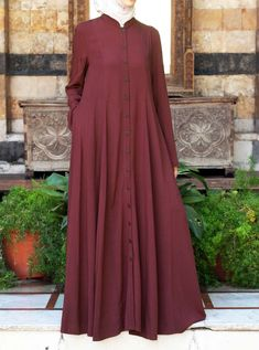 Shirt Dress with Godets. Worn as a dress, the full skirt will keep your look feminine and flowy. Or style it open as a long cardigan for a trendy and fluid look. Abaya Fashion, Modest Fashion, Fashion Outfits, Abaya Designs, Muslim Women Fashion, Islamic Fashion, Muslim Dress, Hijab Dress, Abaya Mode