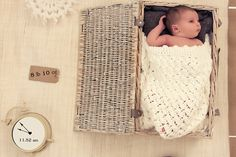 1-Hour Personalised Newborn Baby Photoshoot & 10 Greeting Cards