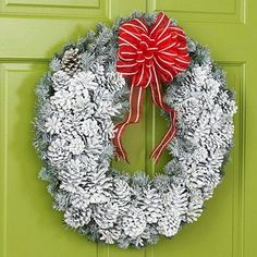 DIY: Snowy Pinecone Christmas Wreath