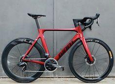 Best Road Bike, Road Bikes, Cycling Bikes, Trek Madone, Bike Design, Road Racing, Bicycles, Store, Vehicles