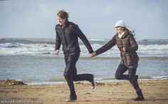 couple, in love, love, winter, loveshoot, idea's, inspiration, beach, running together