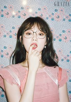 Lee Sung-kyung 이성경 (born August is a South Korean model and act… hair poses – Hair Models-Hair Styles