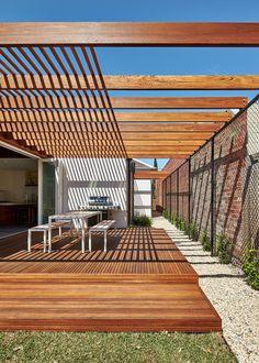 Pergola Attached To House With Gutters - Tuto Pergola Bois - - - - Pergola Patio, Steel Pergola, Corner Pergola, Pergola Shade, Patio Roof, Pallet Pergola, Rustic Pergola, Modern Pergola, Cheap Pergola