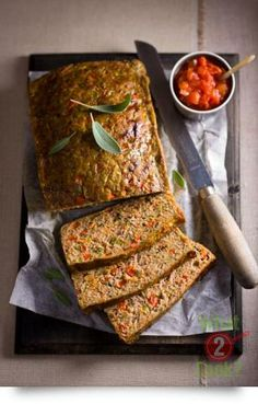 This easy meatloaf recipe uses turkey mince from Steggles. Make this turkey and vegetable meatloaf for your next picnic or for a different christmas recipe. Minced Meat Recipe, Meat Loaf Recipe Easy, Mince Recipes, Turkey Recipes, Make Your Own Cookbook, Turkey Meatloaf, Easy Meatloaf, Turkey Mince, Warm Food