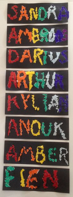 Regenboognaam. Snippers glanspapier kleven met witte knutsellijm op voorgetekende letters.
