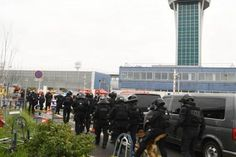 Man Killed At Orly Airport After Taking Soldier's Gun
