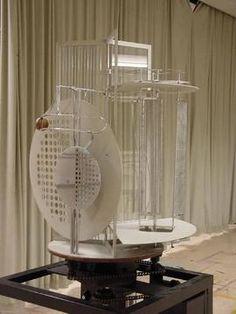 László Moholy-Nagy «Light-Space-Modulator» | Licht-Raum-Modulator