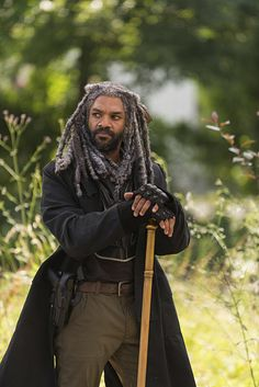 "The Walking Dead Season 7 Episode 2 'The Well"" King Ezikel"