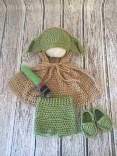 Newborn star wars yoda set // crochet newborn by ElliesTiaras