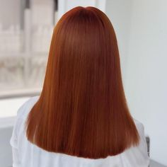 Show off a gorgeous copper red colour with sleek, straight styling. Wella colour by Calaceanu Tudor.
