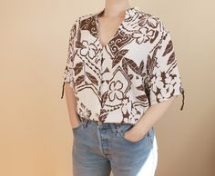 Unique, Sustainable and Affordable Vintage Clothing by KateFallsVintage Vintage Shirts, Vintage Clothing, Vintage Outfits, Kimono Top, Floral Prints, Detail, Abstract, Trending Outfits, Brown