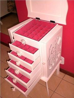 My Room, Dorm Room, Organizar Closet, What A Girl Wants, Makeup Box, Luxury Decor, Toy Chest, Storage Chest, Drawers
