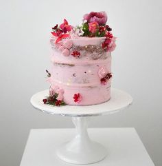 Another pretty light pink petite cake from SweetBakes ~ we ❤ this! moncheribridals.com