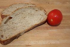 bread and tomato: delicious