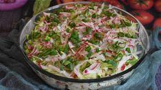 """Sałatka, którą można podać na różne uroczystości, mięsa czy grillowanych dań. Jest prosta, szybka w przygotowaniu i świetnie smakuje. Przepis dostaliśmy od autorki bloga """"Kulinarna chwila"""" poprzez dziejesiewp.pl . Potato Salad, Cabbage, Grilling, Potatoes, Vegetables, Ethnic Recipes, Food, Lilac, Crickets"""