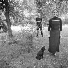 Edward Krasiński, Intervention, 1969, Zalesie. Foto: Eustachy Kossakowski, ©Anka Ptaszkowska en het archief van het Museum of Modern Art Warsaw, courtesy Paulina Krasinska en Fundacja Galerii Foksal'
