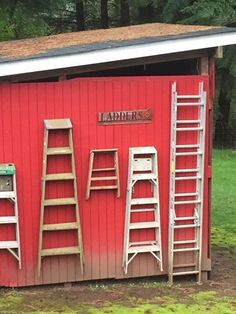 Barn with ladder decor
