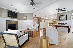 5 Great Manufactured Home Interior Design Tricks - Mobile Home Living - This beautiful Malibu manufactured home uses several great manufactured home interior design tricks - Home Design, Decor Interior Design, Web Design, Design Ideas, Interior Ideas, Interior Decorating, Buying A Manufactured Home, Double Wide Manufactured Homes, Manufactured Home Decorating