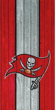Buccaneers Football, Tampa Bay Buccaneers, Bay Sports, Sports Teams, Tom And Gisele, Nfl Team Colors, Cowboys Helmet, Cornhole Wraps, New England Patriots Football