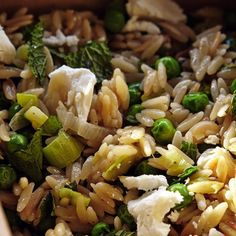 Israeli Couscous, Peas, Preserved Lemons, Mint - skip the peas.maybe spinach? Mint Recipes, Spring Recipes, Pasta Recipes, Cooking Recipes, Healthy Recipes, Holiday Recipes, Shabbat Dinner, 30 Min Meals, Veg Dishes