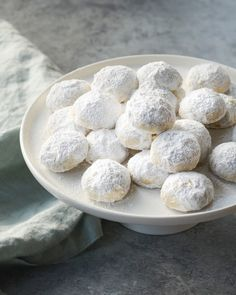 Coconut-Lime Mexican Wedding Cookies - Once Upon a Chef These bite-sized, shortbread-like Mexican wedding cookies are flavored with lime, coconut, and ground pecans. Brown Sugar Cookies, Chocolate Crinkle Cookies, Best Sugar Cookies, Spice Cookies, Peanut Butter Cookies, Yummy Cookies, Crazy Cookies, Baking Cookies, Holiday Cookie Recipes