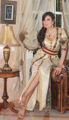 Takchita marocaine et caftan de mariage traditionnel   boutique ...
