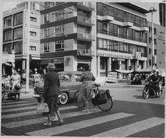 Zebrapad Grote Markt hoek Ebbingestraat 1960