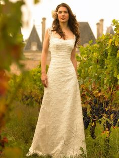 i want this dress...i think i'm going to need to have more than one wedding....maybe celebrate every year? lol