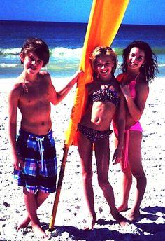 Josh, Paige, and Brooke Hyland Mom Season 1, Dance Moms Season, Dance Moms Dancers, Dance Moms Girls, Brooke And Paige Hyland, Seven Super Girls, Salsa Dress, Kendall Vertes, Show Dance
