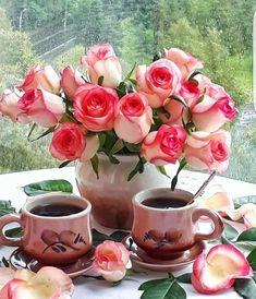 Coffee is always better with a friend. Good Morning Gift, Good Morning Dear Friend, Good Morning Roses, Good Morning Coffee, Coffee Break, Gd Morning, Flower Backgrounds, Flower Wallpaper, Bon Week End Image