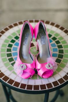 pink wedding shoes; Featured Photographer: Mi Belle Photographers