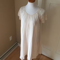 Zara Tea Party Dress Beautiful lined dress with crocheted sleeves- reposh because it was a little too tight on my arms. Love this dress! Great for bridal showers and dressy summer events! Zara Dresses