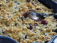 Kjerstis mat och prat: Glutenfri björnbärssmulpaj med havre, kokos och mandel