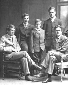 T.E. Lawrence (left) with his brothers Frank, Arnold, Bob, and Will in 1910. Will and Frank would later die during WWI. Only the youngest, Arnold, would grow up to marry and have a family.