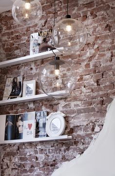 130 Artistic Vintage Brick Wall Design for Home Interior - DecOMG Boutique Interior, Boutique Design, Interior Design Inspiration, Home Interior Design, Interior Architecture, Interior Decorating, Design Ideas, Design Trends, Interior Shop