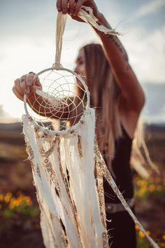 インディアンに伝わるお守りインテリア【ドリームキャッチャー】の作り方! | CRASIA(クラシア) もっと見る