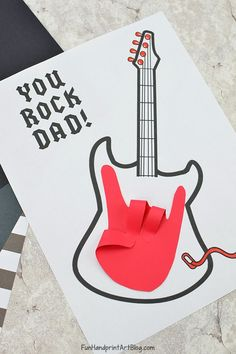 Rock on! Handprint Guitar Card for Dad with Template fathersdaycards printablesforkids handprintholidays 462885667950977611 Diy Gifts For Dad, Diy Father's Day Gifts, Father's Day Diy, Husband Gifts, Dad Gifts, Grandparent Gifts, Dad Birthday Card, Best Birthday Gifts, Diy Birthday
