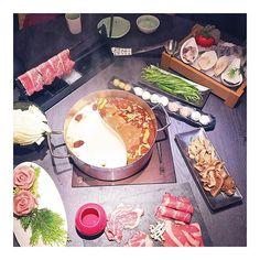 萬惡的深夜美食文🍲 (自己的肚子也咕嚕叫了..) #tainan#tainancity#eat#eat🍴 #food#beef#食#食記#吃貨#吃吃喝喝#肉#神仙牛肉#鍋#這一鍋皇室秘藏鍋物#小西門#火鍋