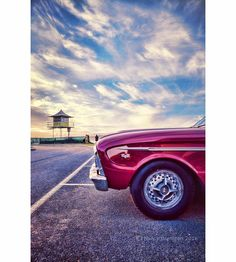 Some cool old cars at Currumbin this arvo...  #car #vintage #vintagecar #wheels #racing #hotrod #retro #classiccars #currumbin #currumbinalley #currumbinbeach #sky #clouds #coast #goldcoast #queensland #qld #australia #goldcoast4u  #goldcoasttourism #discoverqueensland #visitgoldcoast #visitqueensland #australia_shotz #ourgoldcoast #igaustralia #ig_australia #ig_sharepoint #thisisqueensland by nancello_photo http://ift.tt/1X9mXhV