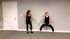 Get ski season ready with these barre-inspired squats and lunges to improve strength and stability in your lower body. #ski #snowboard #barrefitness #barre #barreworkout #barreforte #meetyourbest