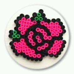 Adj a Szerelmednek egy soha el nem hervadó rózsát!   Elkészítenéd? Rendelj hozzá díszdobozos gyöngyöket! http:// on.fb.me/1cc0O7O