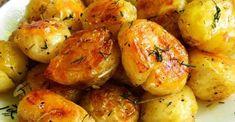 Na toto sa ani nechytá žiadna iná príloha: Cesnakové zemiaky pečené v rúre! - Recepty od babky Dinner Menu, Baked Potato, Creme, Shrimp, Deserts, Potatoes, Meat, Baking, Vegetables