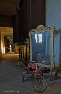 """The mirror lies by Johan Buts on Flickr.  I see Stephen King's """"The Shining"""" or """"The Omen"""" with Lee Remick and Gregory Peck."""