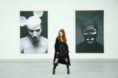 ModeEvent im Kunstmuseum Lentos Bilder im Hintergrund  Copyright Gottfried Helnwein Gottfried Helnwein, Batman, Superhero, Fictional Characters, Art, Museum Of Art, Creative, Pictures, Art Background
