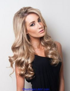 dirty blonde color and soft, big curls! My next hair color. Champagne Hair Color, Champagne Blonde, Spring Hairstyles, Pretty Hairstyles, Hairstyle Ideas, Hair Styles 2014, Curly Hair Styles, Dark Roots Blonde Hair, Ash Blonde